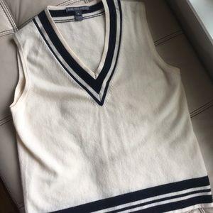 Saks fifth avenue 100%cashmere vest